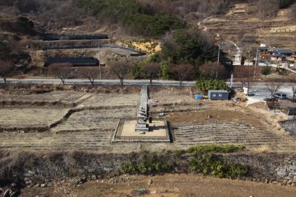 성주 법수사지 삼층석탑 전경