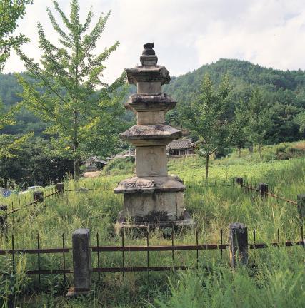 함양 승안사지 삼층석탑
