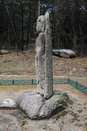 거창 농산리 석조여래입상(촬영:문화재청)