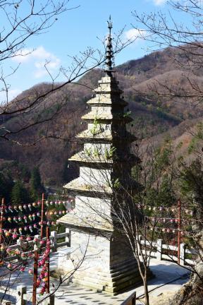 수마노탑 배면