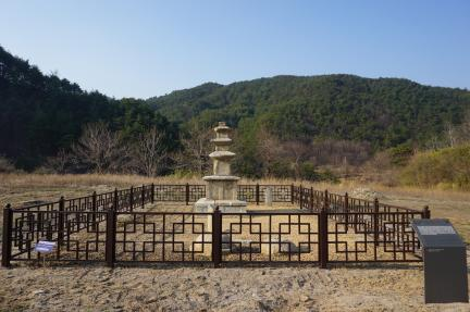 울진 구산리 삼층석탑 전경