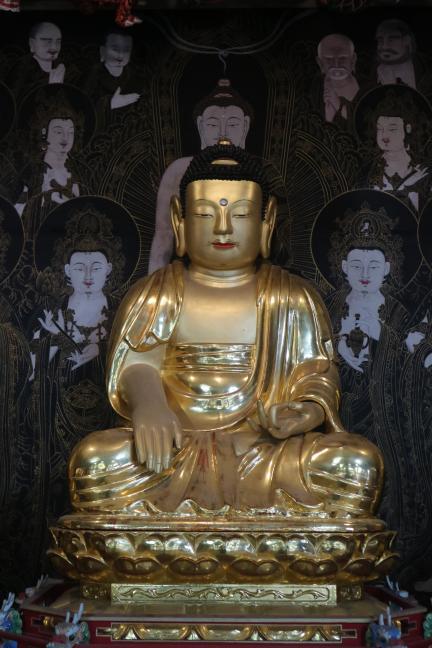 보물 제2004호 서울 칠보사 목조석가여래좌상