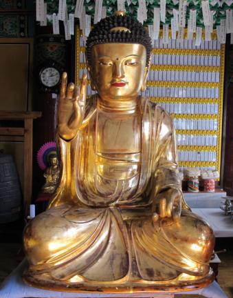 보물 제1843호 강진 정수사 석가여래삼불좌상