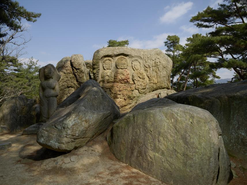 경주 남산 탑곡마애불상군, 보물.jpg